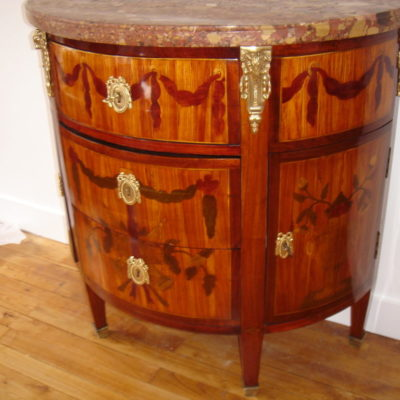 commode demi-lune 002
